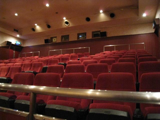 映画館デートのポイント