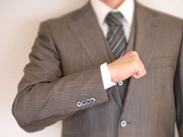 男性の印象をよくするアイテムって?|スーツ編